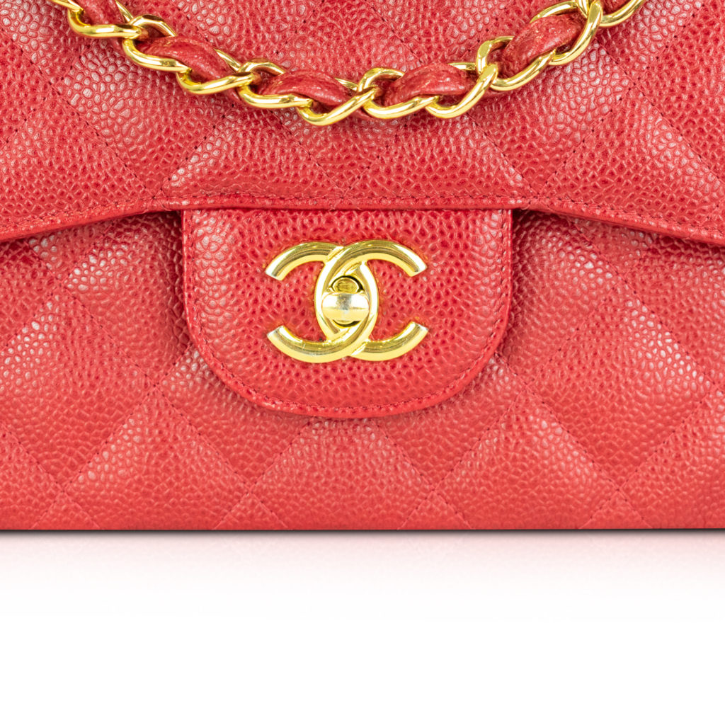 fake CC hardware on jumbo flap Chanel